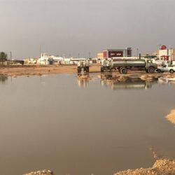"""السيول تُعيد ذكرى وادي """"سحاب"""" في الأفلاج"""
